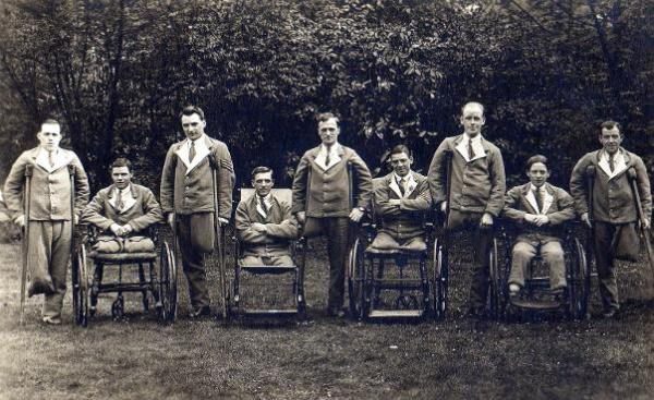 WOUNDED GROUP Canadian Soldiers WW1